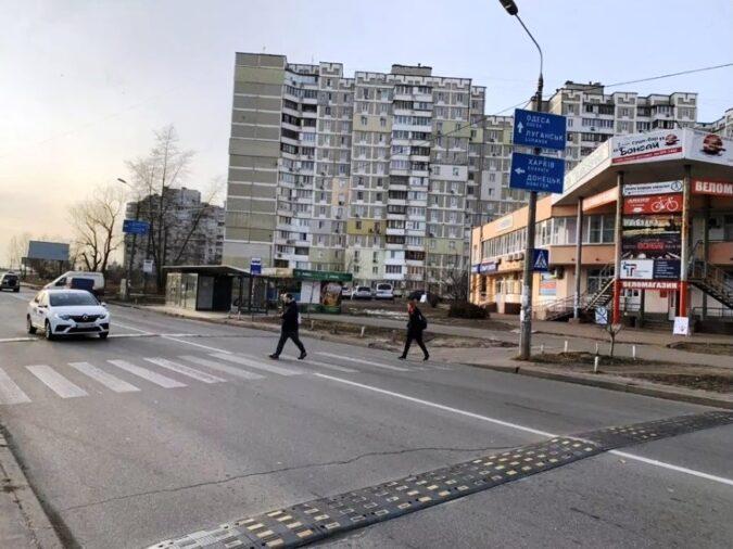 1 аренда остановочных комплексов троещина киев